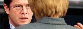 Geheimbesuch bei Merkel: Guttenberg spricht über NSA-Skandal