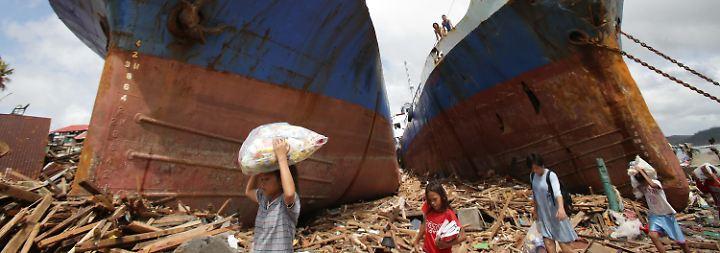 """Verwesungsgeruch in der Luft: Nach Taifun """"Haiyan"""" drohen Seuchen"""