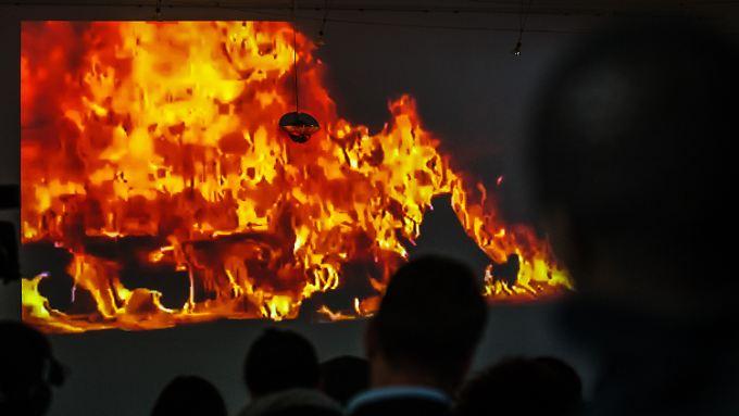 Ein Video soll Feuertod des Asylbewerbers Oury Jalloh aus Sierra Leone am 7. Januar 2005 verdeutlichen.