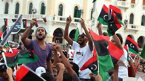 Proteste geraten außer Kontrolle: Libyer kämpfen weiter gegen Milizen
