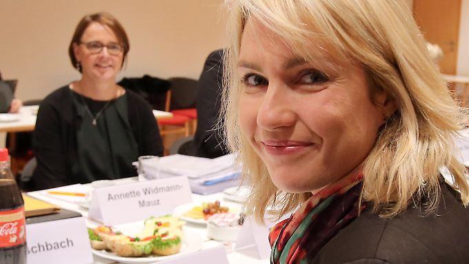 Manuela Schwesig und Annette Widmann-Mauz wollen die Quote.
