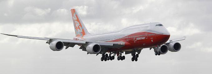 Spritspar-Antrieb und Leichtbau-Komponenten wie der Dreamliner: Die 747-8 gilt als das derzeit längste Passagierflugzeug.