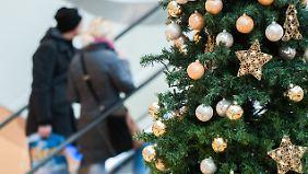Neuer Rekord zu Weihnachten: Deutsche wollen 288 Euro für Geschenke ausgeben