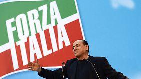 """Ende der """"Cavaliere""""-Ära: Berlusconi verliert Senatssitz und Immunität"""