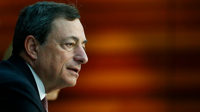 Gibt den Feuerwehrmann: Mario Draghi.