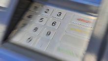 """""""Ein Stück Blech und ein Stück Papier"""". Ist das Ausspähen der Bankdaten tatsächlich so leicht?"""