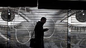 Milliarden Ortsdaten pro Tag: NSA folgt Handynutzern weltweit auf Schritt und Tritt