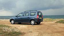 Auch der Dacia Logan zeichnet sich nach fünf Jahren nicht durch Langlebigkeit aus. Bei den älteren Modellen sind oft die  Vorderachse und Lenkung ausgeschlagen. Bereits nach drei Jahren häufen sich laut dem TÜV Probleme mit der Auspuffanlage.