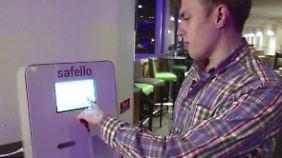 Digitale Währung: Technik-Fans bejubeln ersten Bitcoin-Automaten