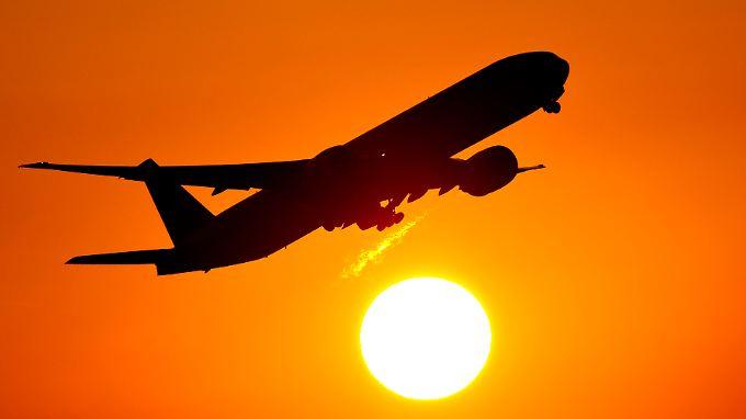 32 von 57 geplanten Langstreckenflügen finden laut Lufthansa aber trotz des Streiks statt.