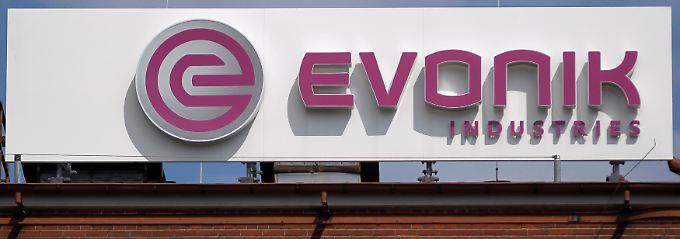 Spezielchemiekonzern mit rund 33.000 Mitarbeitern und einem Jahresumsatz von zuletzt 13,6 Milliarden Euro: Die Evonik-Aktie wird seit Ende April 2013 an der Börse gehandelt.