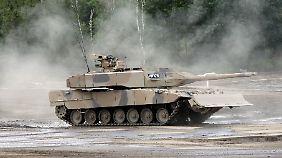 Es geht um den Verkauf von Leopard 2-Panzern.