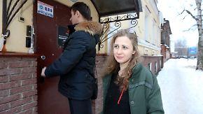 """""""Ich habe vor nichts mehr Angst"""": Pussy-Riot-Aktivistinnen verlassen russisches Straflager"""