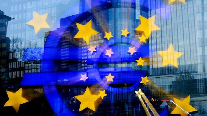 Die EZB soll nach Ansicht der Sparkassen von ihrer Niedrigzinspolitik lassen.