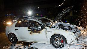 Fluchtauto ausgebrannt: Bewaffnete überfallen Geldtransporter in Berlin