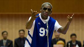 """McCain: """"Halte ihn für einen Idioten"""": US-Basketballstar Rodman singt Kim Jong Un Geburtstagslied"""
