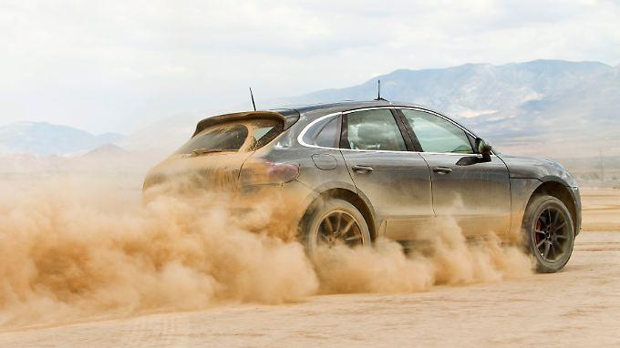 Eine Porsche Macan Geländewagen-Studie bei einer Testfahrt: Die VW-Tochter verspricht sich einiges von dem Klein-SUV.