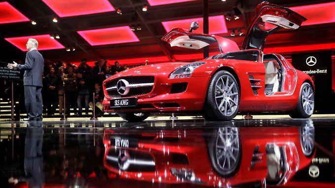 Mercedes-Benz SLS AMG auf der Peking Auto Show: Deutsche Hersteller profitieren vom Boom des chinesischen Automarkts besonders.