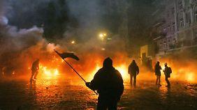 Proteste in Kiew eskalieren: Klitschko mit Feuerlöscher angegriffen