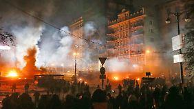 Gewaltexzesse in der Nacht: Kiew gleicht einem Schlachtfeld
