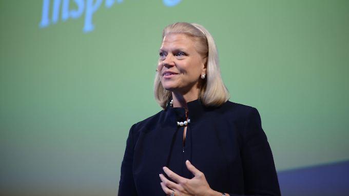 IBM-Chefin Ginni Rometty reagierte auf den schwachen Jahresabschluss ihres Unternehmens - und strich den Führungskräften die Bonuszahlungen.