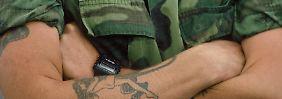 Der neue Mode-Knigge der Bundeswehr: Versteck dein Tattoo, Kamerad!