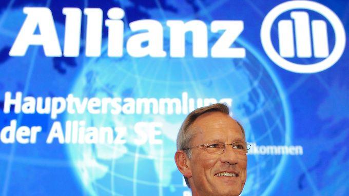 Trotz geringerem Verdienst: Analysten stufen Allianz hoch