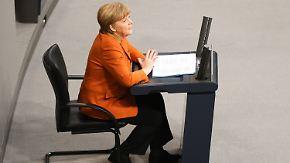 Unaufgeregter Rundumschlag: Zwei Premieren begleiten Merkels Rede
