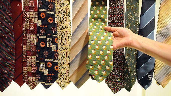 """War's das jetzt mit der """"Würde des Hauses""""? Die Sache mit der Krawatte ist jedenfalls vom Tisch."""