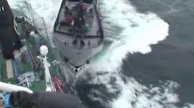 Videoaufnahmen veröffentlicht: Walfänger und Tierschützer liefern sich Seeschlachten
