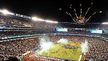 Ein Riesenspektakel - für Fans und Werbeindustrie: Der Super Bowl der NFL.