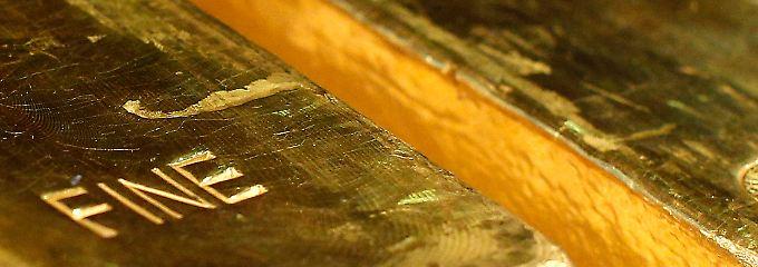 """""""Daran halten wir fest"""": Die Bundesbank organisiert einen der größten Gold-Transporte der Geschichte."""
