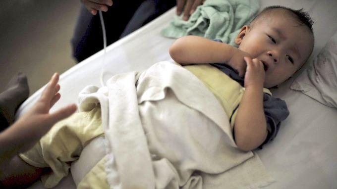 Durch Melanin im Milchpulver waren 2007/2008 in China 300.000 Kleinkinder schwer erkrankt, mindestens sechs Babys starben.