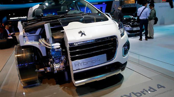 Peugeot 3008 HYbrid4: Studien und neue Modelle hat Peugeot genug, allein das Geld fehlt. Eine Kapitalerhöhung und der Einstieg von Dongfeng und dem französischen Staat sollen die Wende bringen.