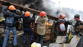 Blutige Nacht in Kiew: Gewalt breitet sich in der ganzen Ukraine aus