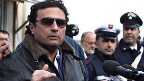 Zurück an Bord der Costa Concordia: Kapitän Schettino macht Technik für Unglück verantwortlich