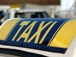 Unter bestimmten Bedingungen zahlt die Krankenkasse die Taxi-Fahrt zum Arzt.