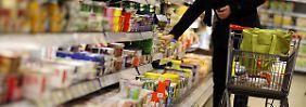 Diktat des Marktführers: Rewe kann sich den Bewegungen im Einzelhandel nicht entziehen.