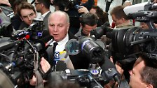 Urteil beendet Karriere: Hoeneß' Lebenswerk ist zerstört