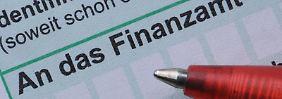Höherer Grundfreibetrag: Ab 2014 können jetzt 8354 Euro pro Jahr steuerfrei eingenommen werden.