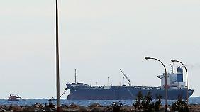 Tanker in Es Sider.