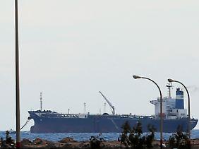 """Die """"Morning Glory"""" am Terminal von Es Sider: Die Anlagen bei Ras Lanuf zählen zu den größten Verladekapazitäten des Landes und sind für den libyschen Staatshaushalt von zentraler Bedeutung."""