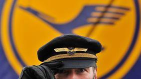Piloten fordern Lohnplus: Cockpit will streiken