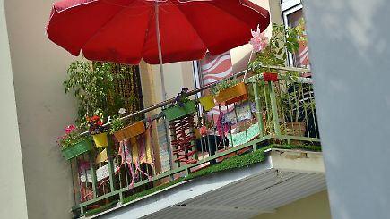 grillen nacktsonnen rauchen was mieter auf dem balkon d rfen n. Black Bedroom Furniture Sets. Home Design Ideas
