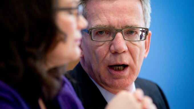 Arbeitsministerin Nahles und Innenminister de Maizière freuen sich über Zuwanderung: Sie halten sie für einen Gewinn für Deutschland.