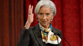 Christine Lagarde mahnt Kiew im Gegenzug zu Reformen.