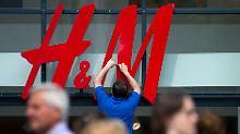 Der Börsen-Tag: Umsatzeinbruch: H&M will Filialen schließen