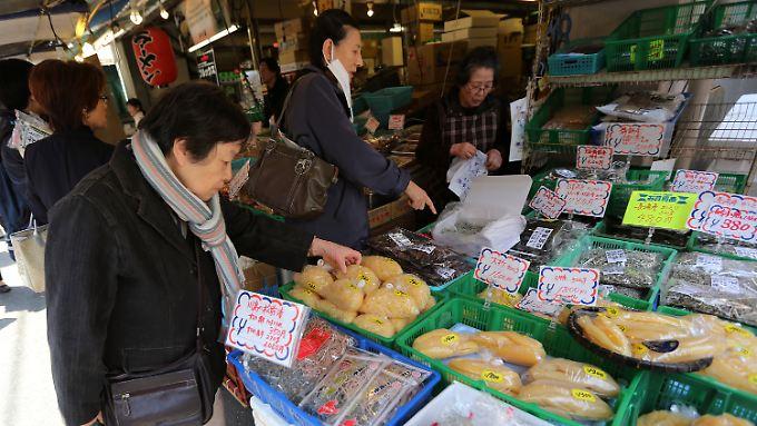 Die Wirtschaft kommt in Japan in Schwung, die Verbraucher noch nicht.