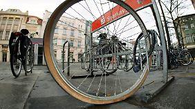 Auch das beste Schloss hilft nichts, wenn das Rad nicht richtig angeschlossen wird.