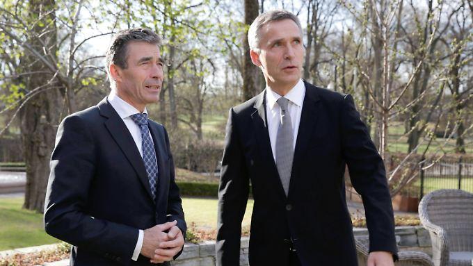 Rasmussen (l.) mit seinem designierten Nachfolger Stoltenberg.
